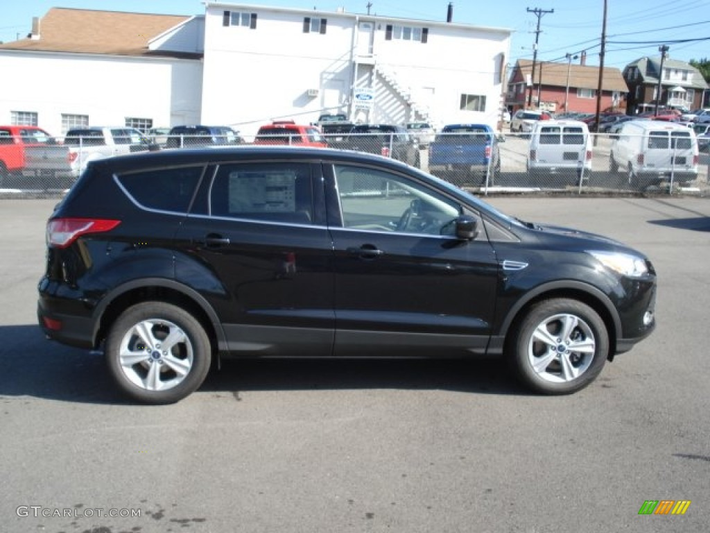 tuxedo black metallic 2013 ford escape se 1 6l ecoboost 4wd exterior photo 69001627. Black Bedroom Furniture Sets. Home Design Ideas