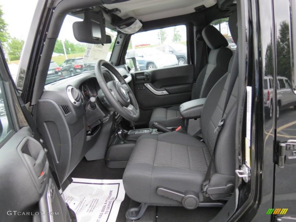 Black Interior 2012 Jeep Wrangler Unlimited Sahara 4x4 Photo 69004060