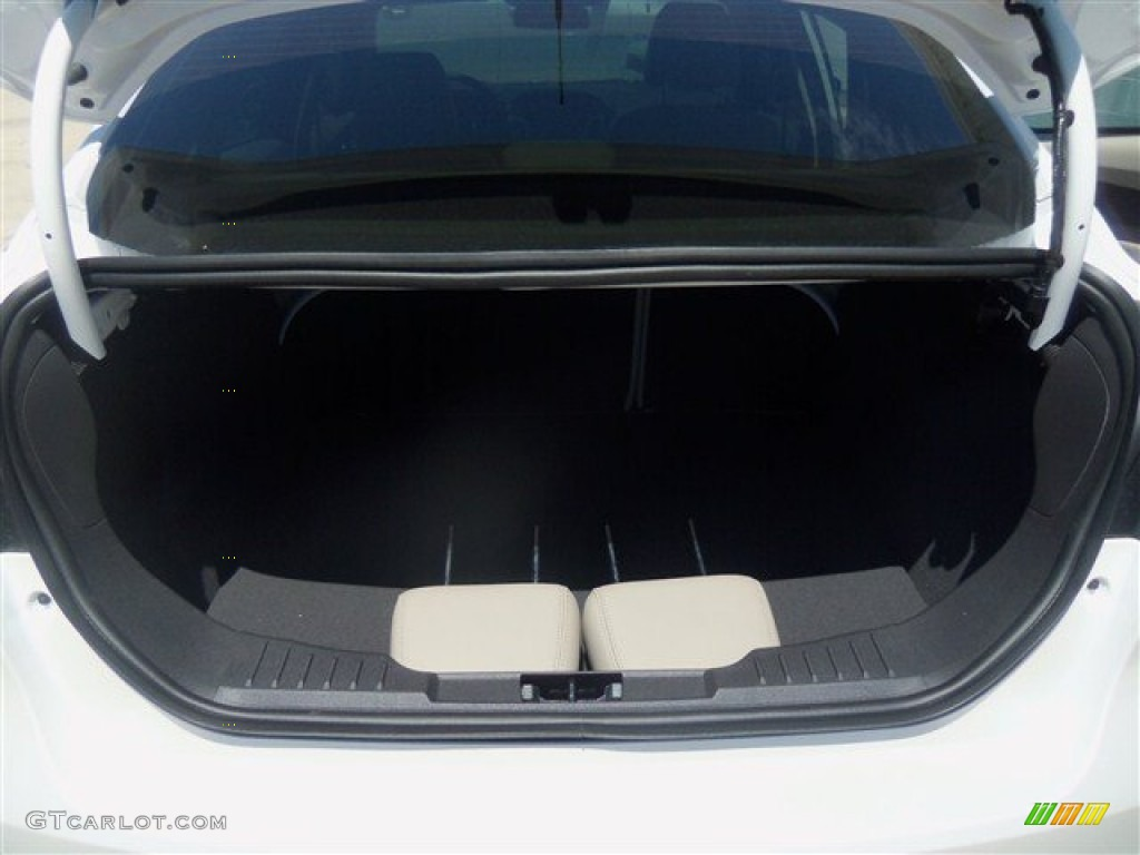 2012 Focus SEL Sedan - White Platinum Tricoat Metallic / Stone photo #15