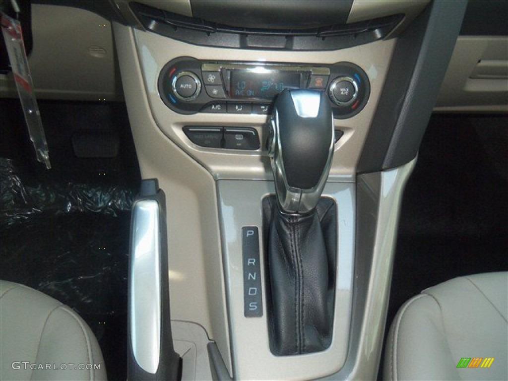 2012 Focus SEL Sedan - White Platinum Tricoat Metallic / Stone photo #20