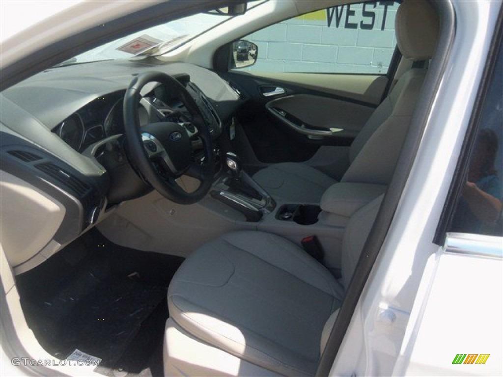 2012 Focus SEL Sedan - White Platinum Tricoat Metallic / Stone photo #32