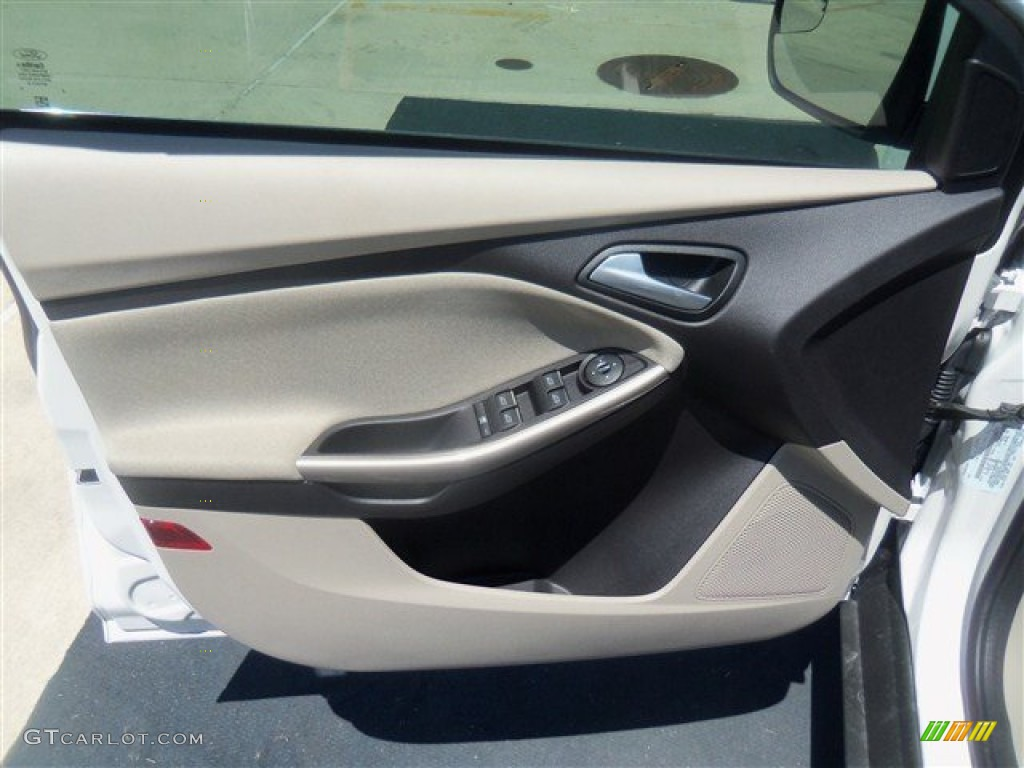 2012 Focus SEL Sedan - White Platinum Tricoat Metallic / Stone photo #33