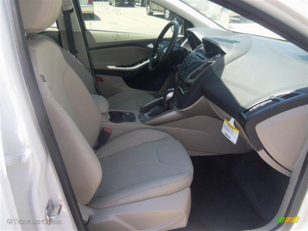 2012 Focus SEL Sedan - White Platinum Tricoat Metallic / Stone photo #35