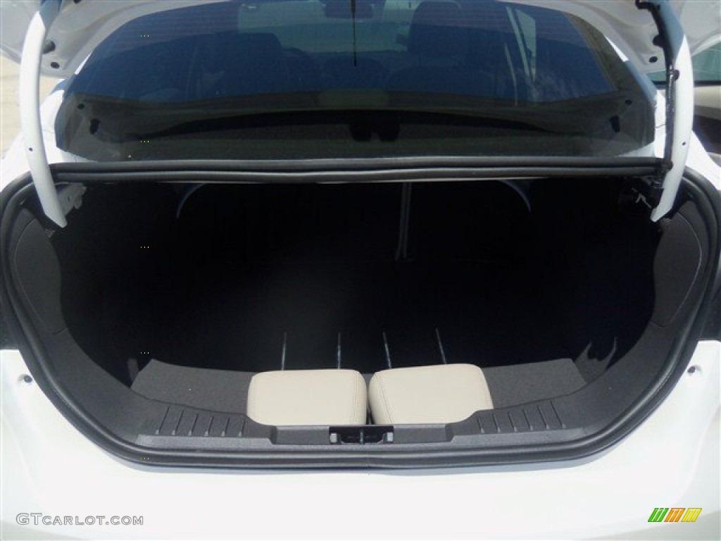 2012 Focus SEL Sedan - White Platinum Tricoat Metallic / Stone photo #37