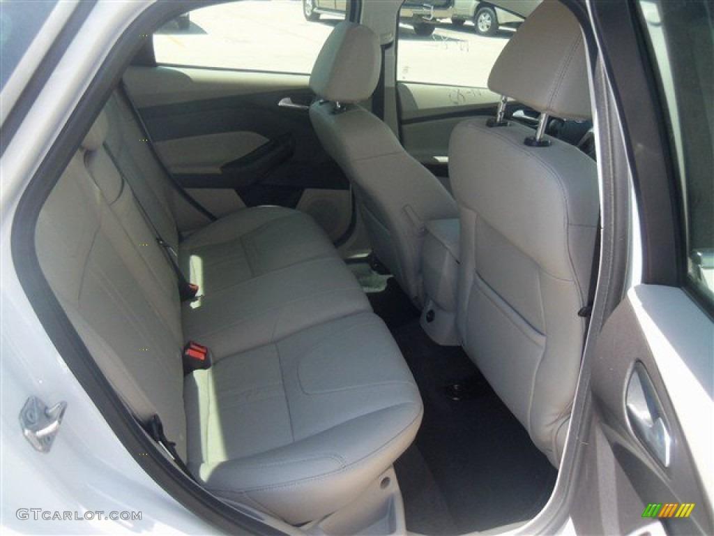 2012 Focus SEL Sedan - White Platinum Tricoat Metallic / Stone photo #38