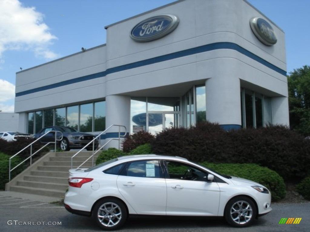 white platinum ford focus ford focus titanium sedan - Ford Focus 2013 Sedan White