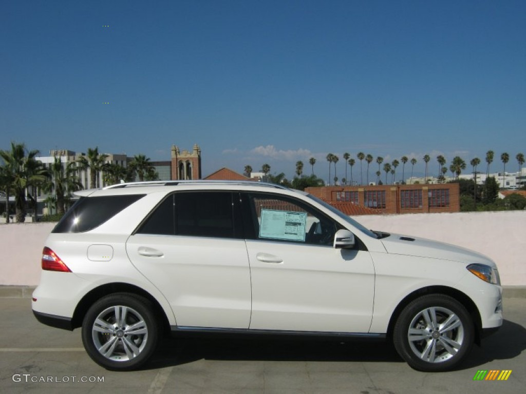 Diamond white metallic 2013 mercedes benz ml 350 4matic for Mercedes benz 350 ml 2013