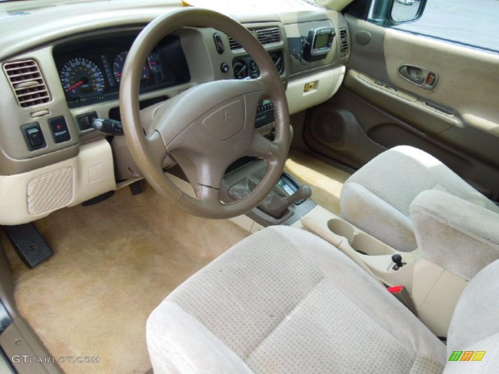 2000 Mitsubishi Montero Sport XLS 4x4 Interior Color Photos | GTCarLot.com