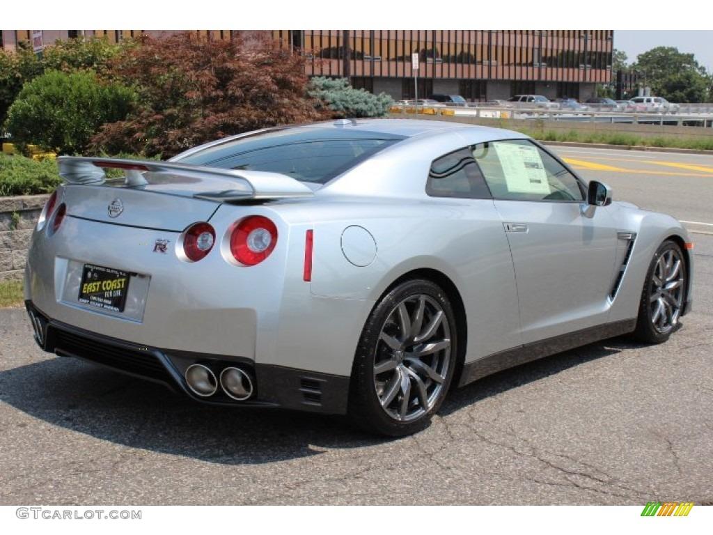 Super Silver 2013 Nissan Gt R Premium Exterior Photo