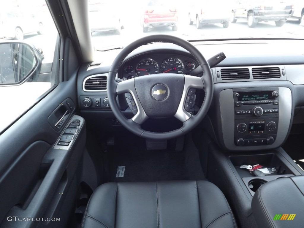 2017 Chevrolet Suburban Lt 4x4 Ebony Dashboard Photo 69182005
