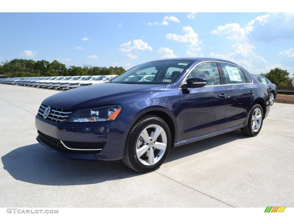 2013 night blue metallic volkswagen passat tdi se. Black Bedroom Furniture Sets. Home Design Ideas