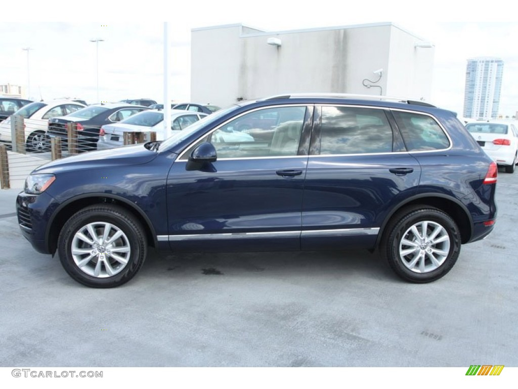 2013 night blue metallic volkswagen touareg vr6 fsi sport. Black Bedroom Furniture Sets. Home Design Ideas