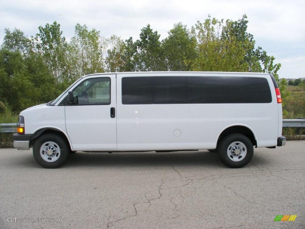 White Passenger Van 2013 Summit White Chev...