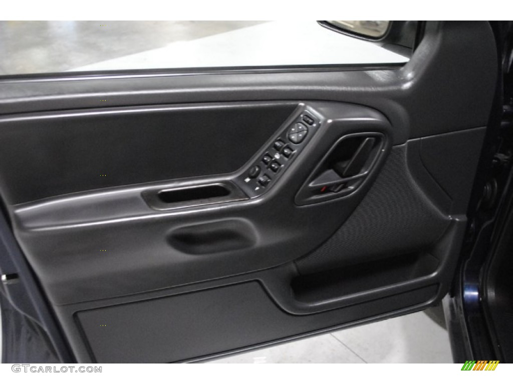2004 Jeep Grand Cherokee Columbia Edition 4x4 Door Panel