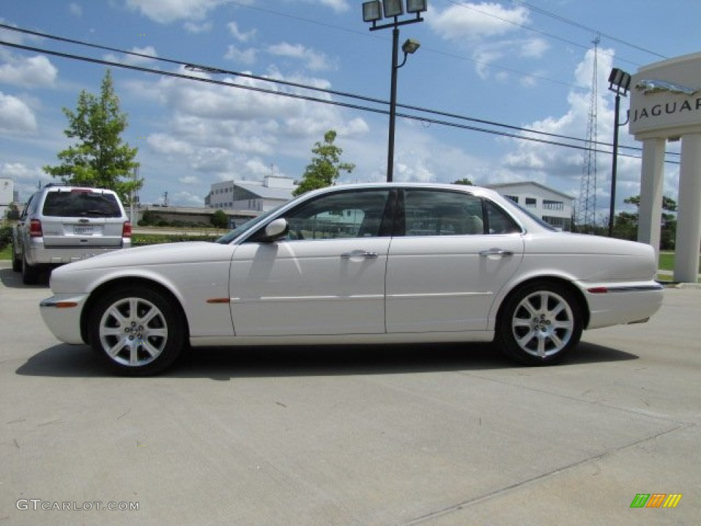 White onyx 2004 jaguar xj xj8 exterior photo 69390838 for Jaguar xj exterior
