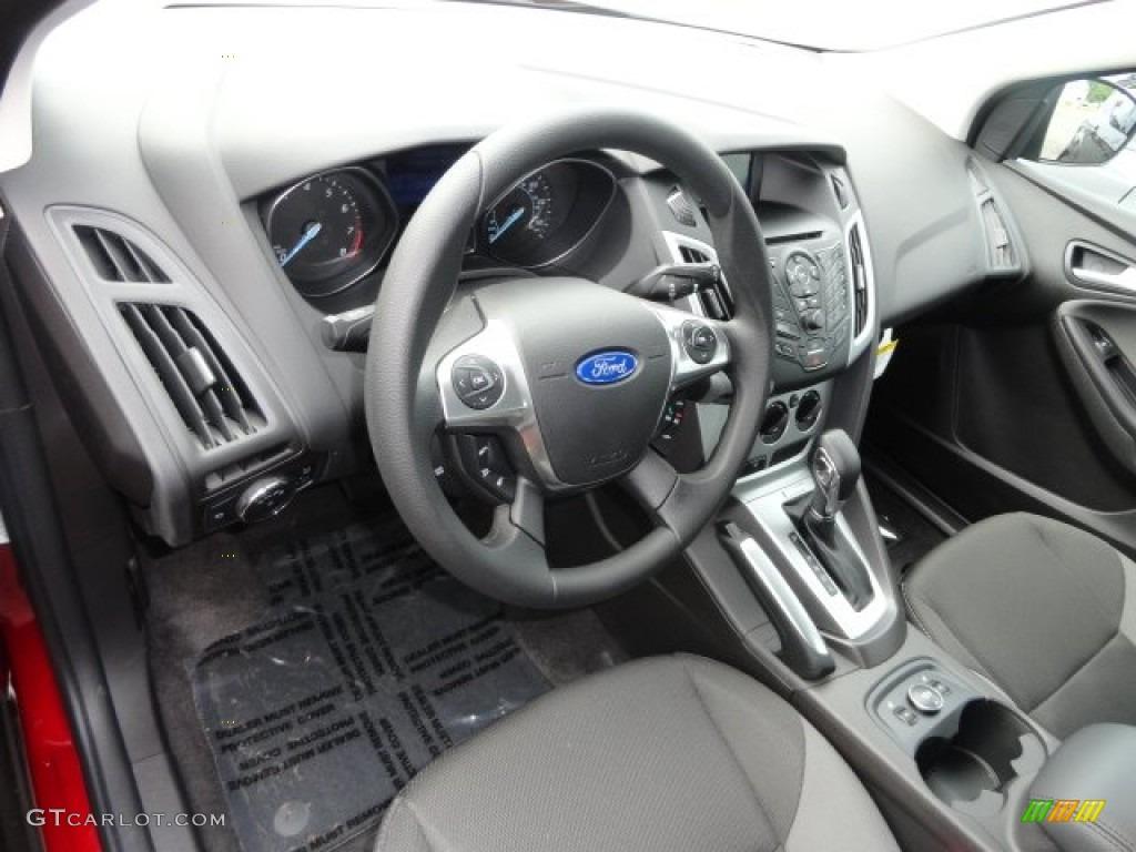 Charcoal Black Interior 2013 Ford Focus Se Hatchback Photo