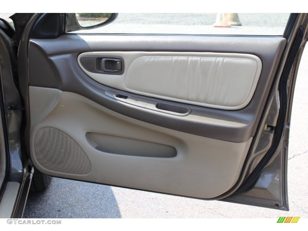 Altima Gxe 1998 >> 1998 Nissan Altima GLE Door Panel Photos | GTCarLot.com