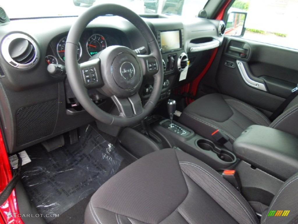 Black Interior 2013 Jeep Wrangler Unlimited Sahara 4x4 Photo 69438040