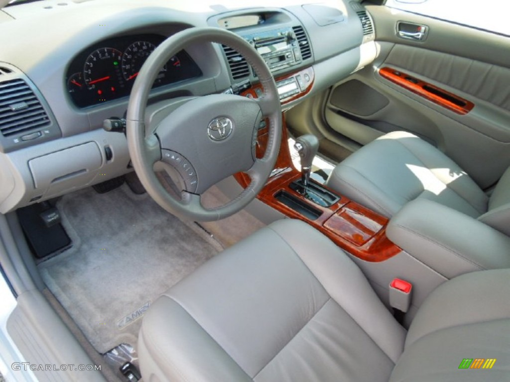 Gray interior 2005 toyota camry xle v6 photo 69441952
