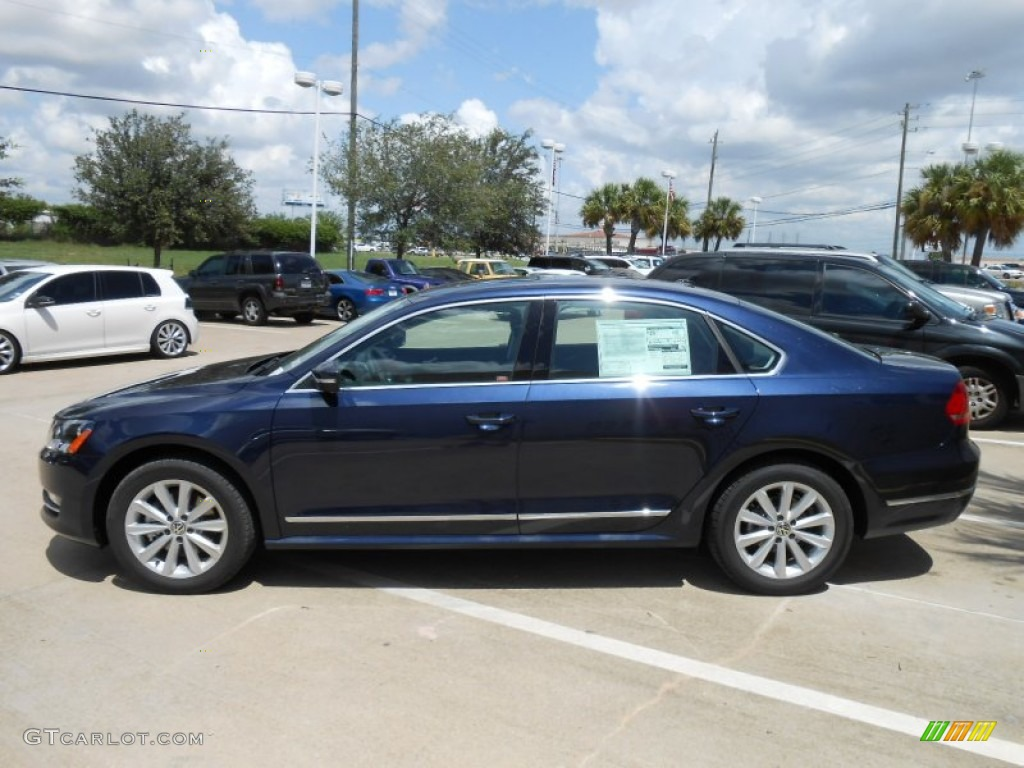 night blue metallic 2013 volkswagen passat 2 5l sel. Black Bedroom Furniture Sets. Home Design Ideas