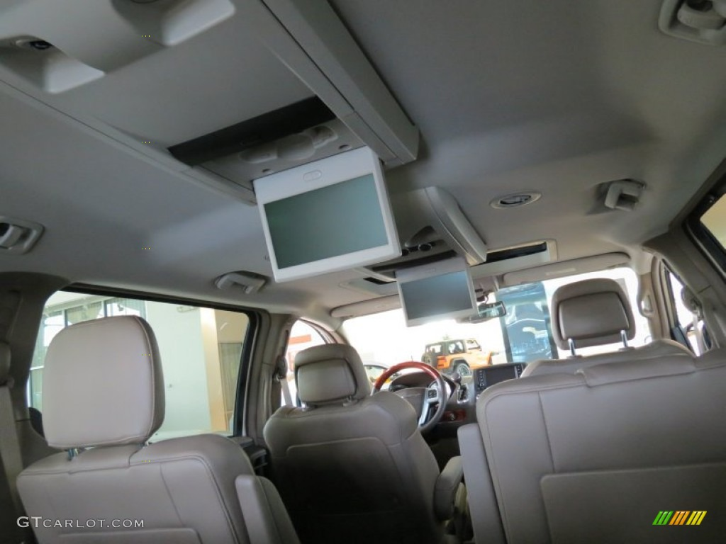 2013 Chrysler Town U0026 Country Touring   L Interior Photo #69524655