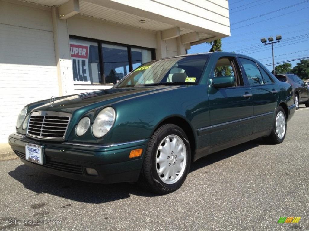 1997 brilliant emerald green metallic mercedes benz e 320 for Mercedes benz green