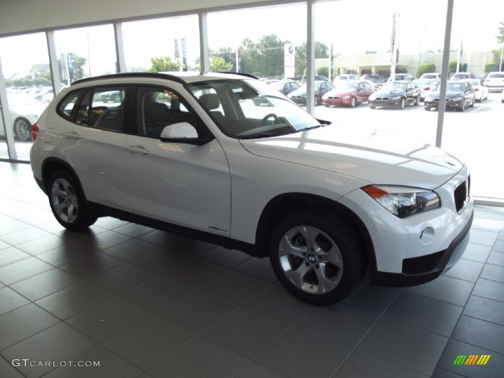 mineral white metallic 2013 bmw x1 sdrive 28i exterior. Black Bedroom Furniture Sets. Home Design Ideas