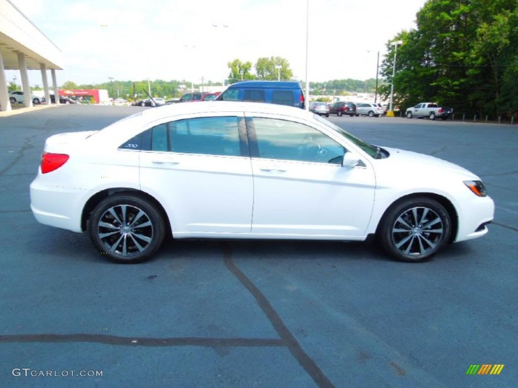 Chrysler 200 Limited >> Bright White 2013 Chrysler 200 S Sedan Exterior Photo ...