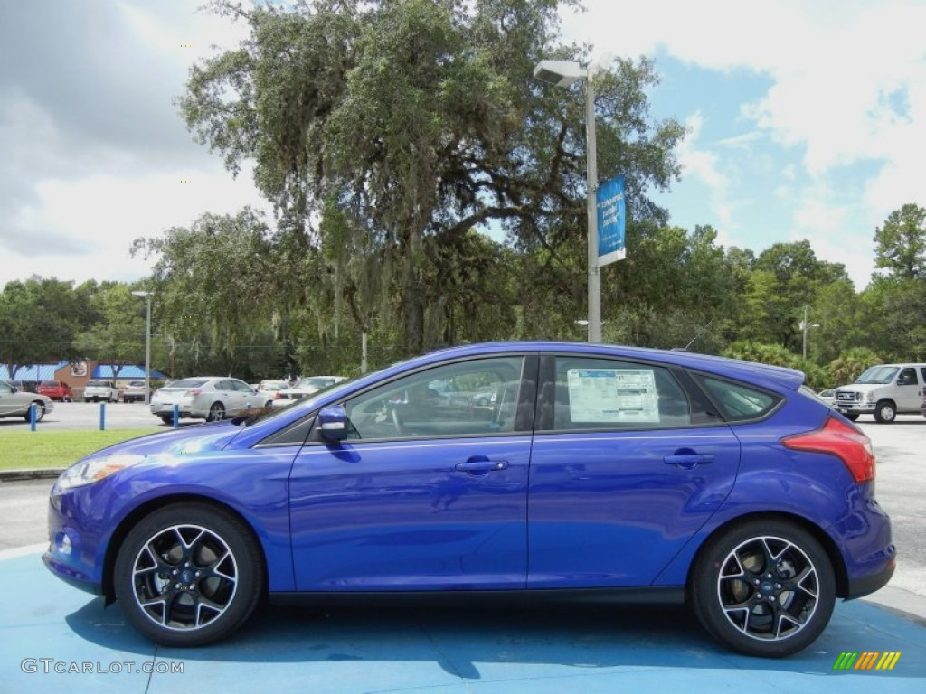 performance blue 2013 ford focus se hatchback exterior photo 69747367. Black Bedroom Furniture Sets. Home Design Ideas