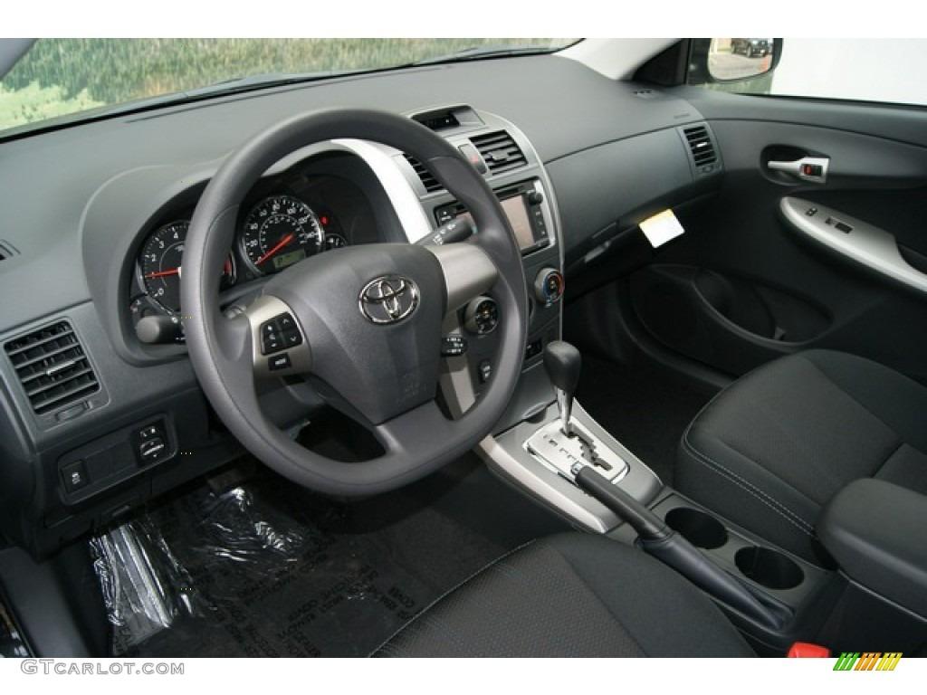 Dark Charcoal Interior 2013 Toyota Corolla S Photo 69772105