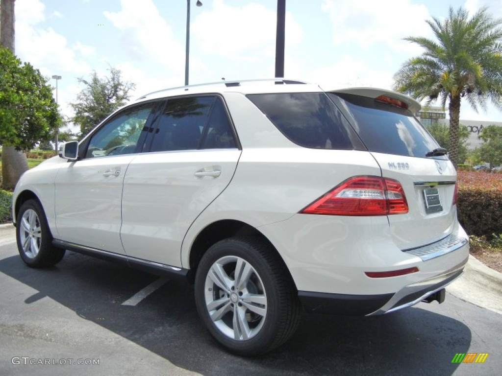 Arctic white 2013 mercedes benz ml 350 4matic exterior for Mercedes benz 350 ml 2013