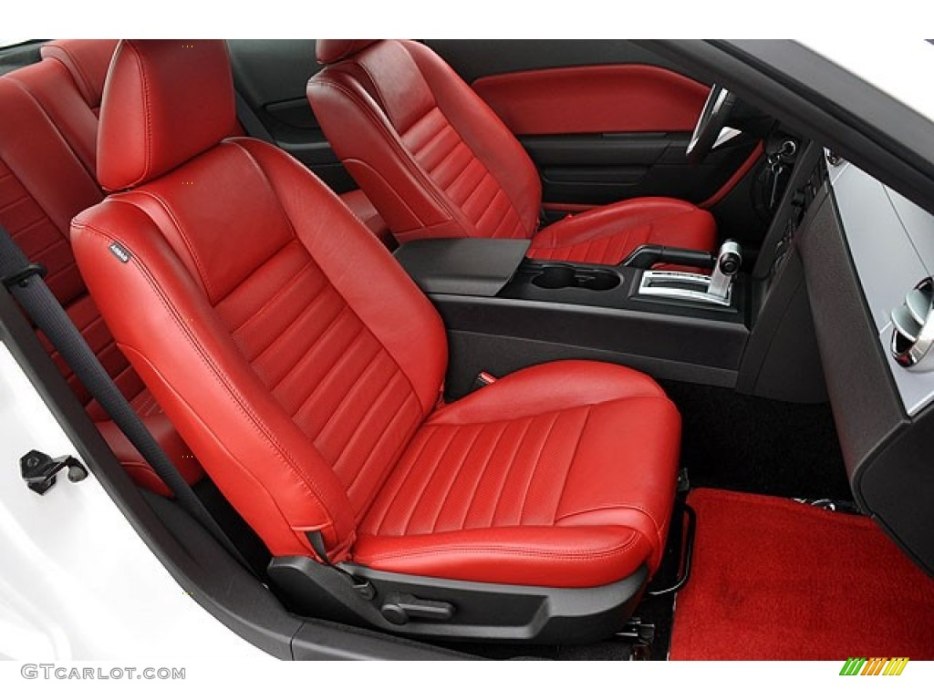 2006 Ford Mustang GT Premium Coupe Front Seat Photo #69913184