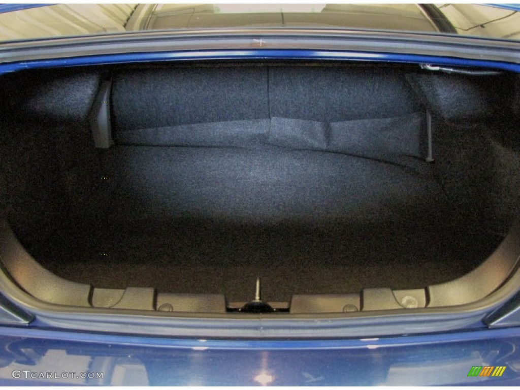 2006 Ford Mustang GT Premium Coupe Trunk Photo #69958597