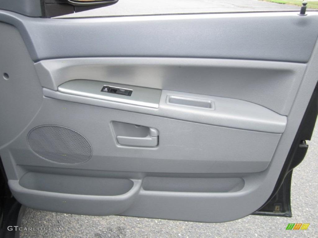 2005 Jeep Grand Cherokee Laredo 4x4 Medium Slate Gray Door Panel Photo 69974416