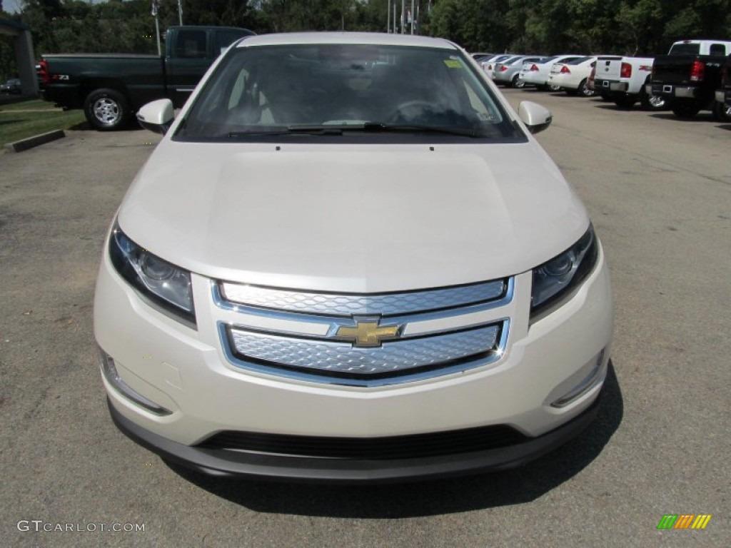 White Diamond Tricoat 2013 Chevrolet Volt Standard Volt Model Exterior Photo #70008646