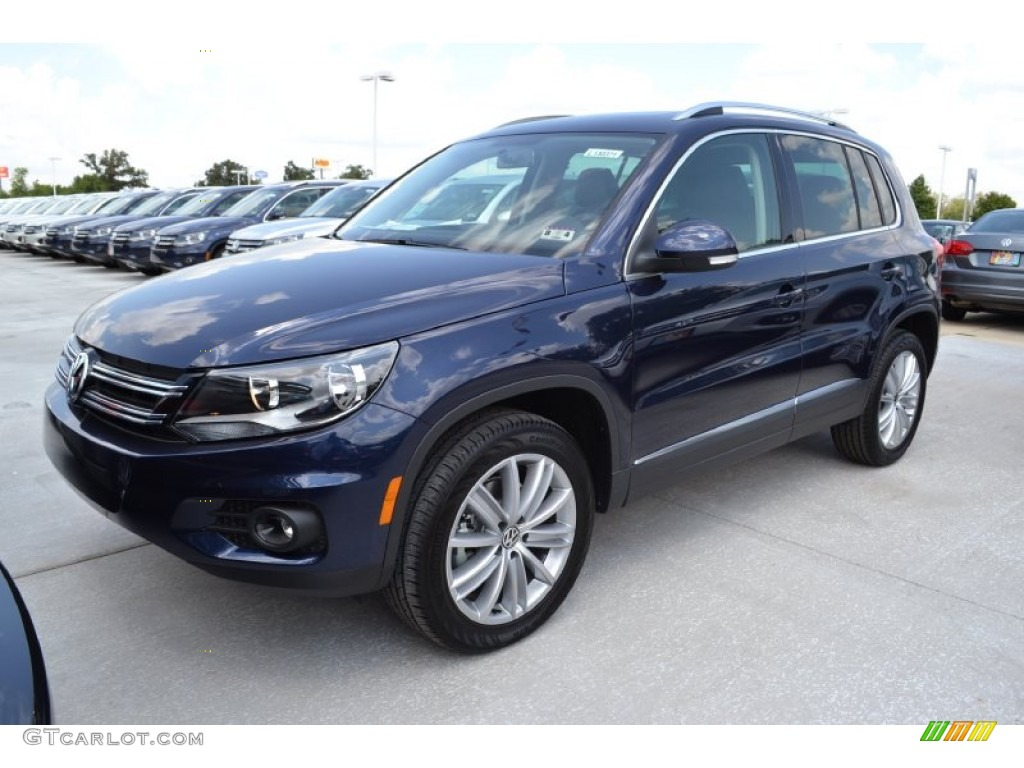 2013 night blue metallic volkswagen tiguan se 69997713. Black Bedroom Furniture Sets. Home Design Ideas