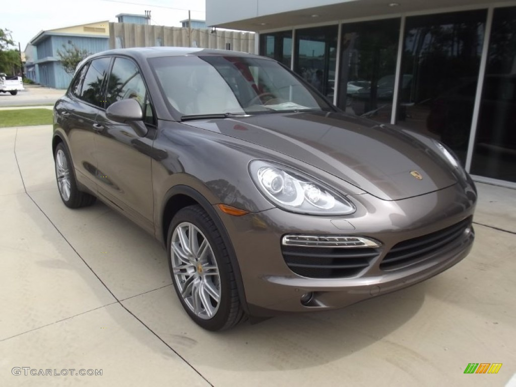 Umber Metallic 2013 Porsche Cayenne S Exterior Photo