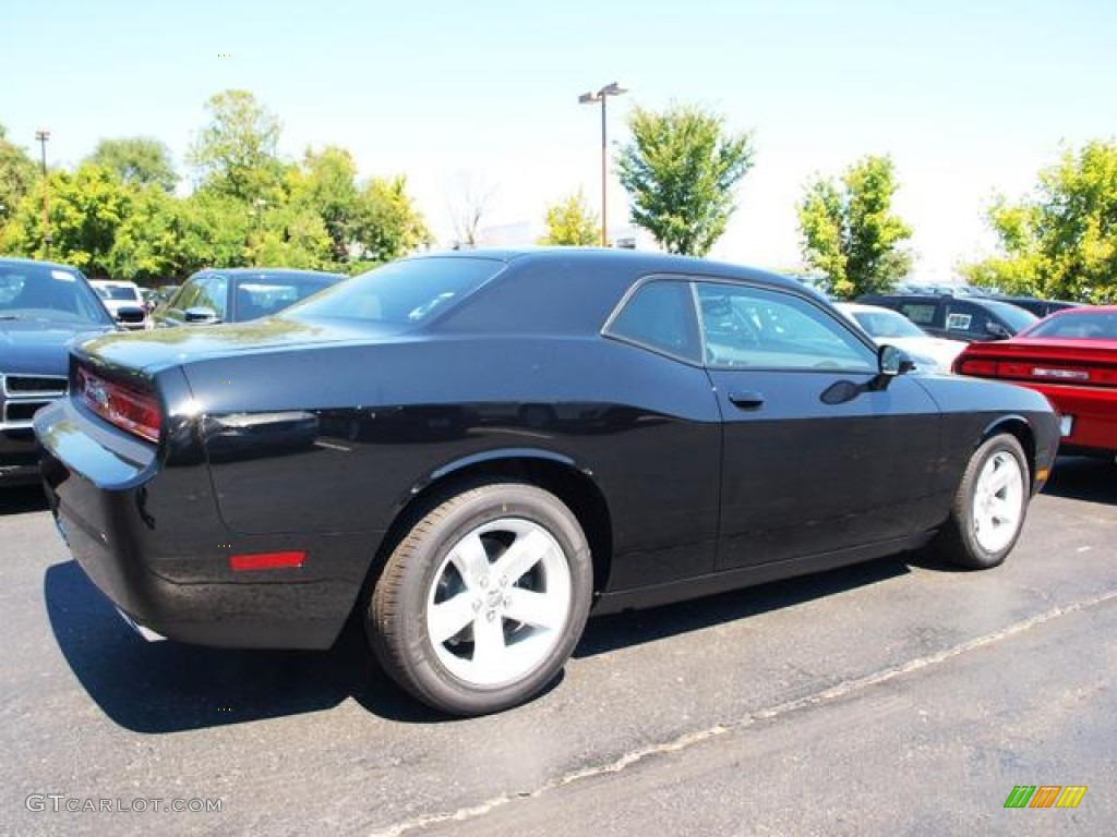 pitch black 2013 dodge challenger sxt exterior photo 70229005. Black Bedroom Furniture Sets. Home Design Ideas