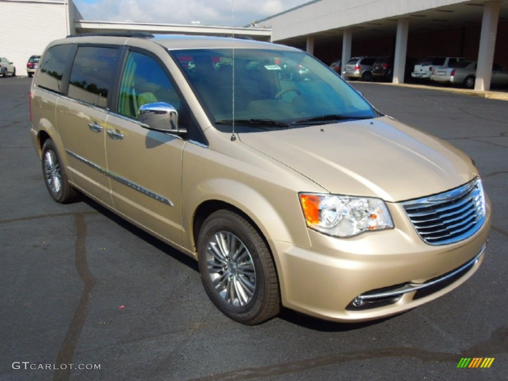 Cashmere Pearl 2013 Chrysler Town   Country Touring - L Exterior Photo   70259119 442d4c016bc