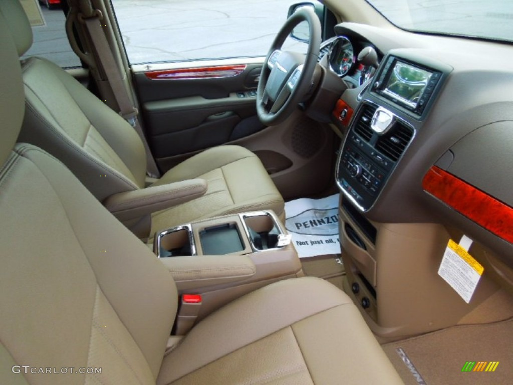 2013 Chrysler Town Country Touring L Interior Photo 70259260