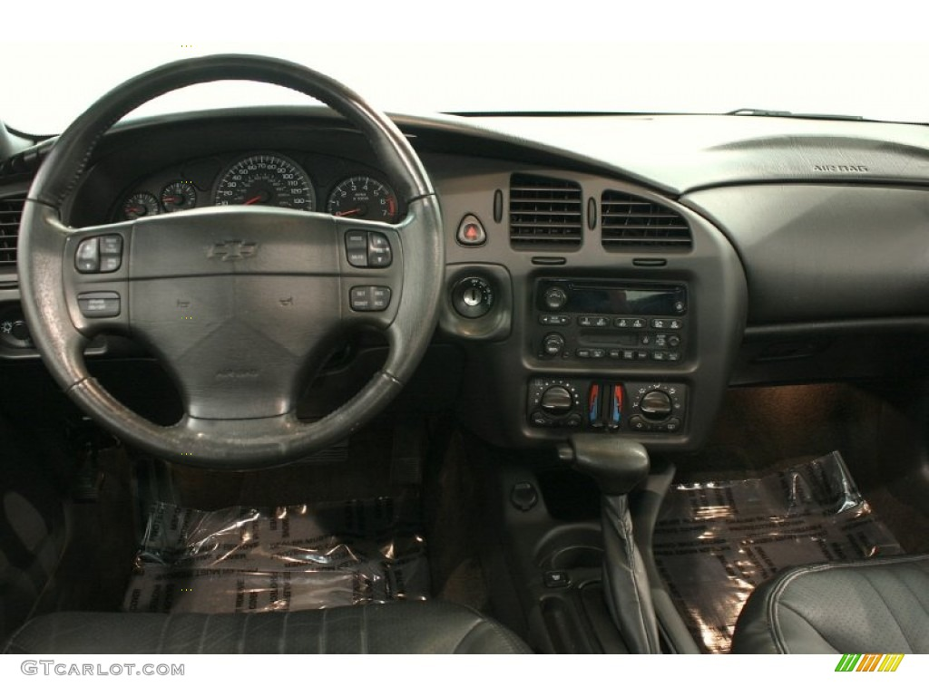 2004 Chevrolet Monte Carlo Intimidator SS Dashboard Photos