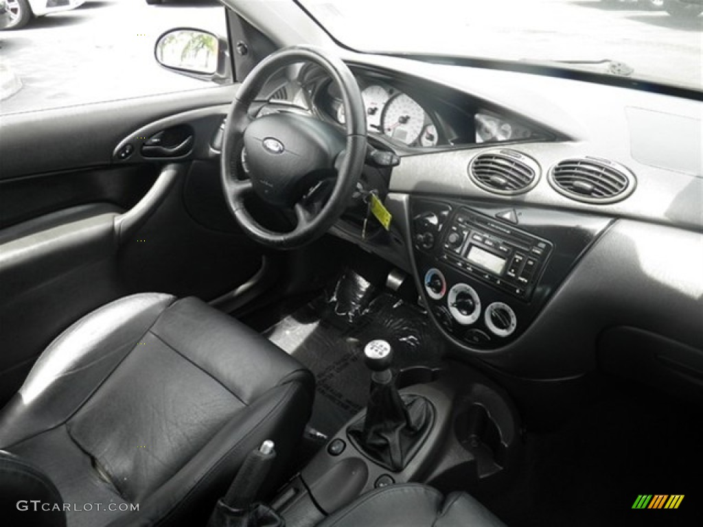 2004 ford focus svt hatchback interior photo 70292073
