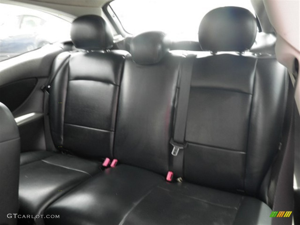 Black interior 2004 ford focus svt hatchback photo 70292094