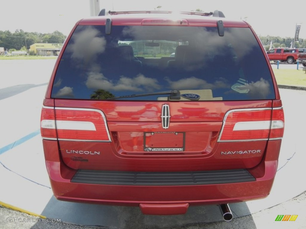 2007 Navigator Luxury - Vivid Red Metallic / Charcoal photo #4