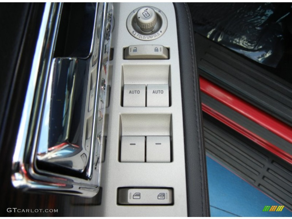 2007 Navigator Luxury - Vivid Red Metallic / Charcoal photo #13