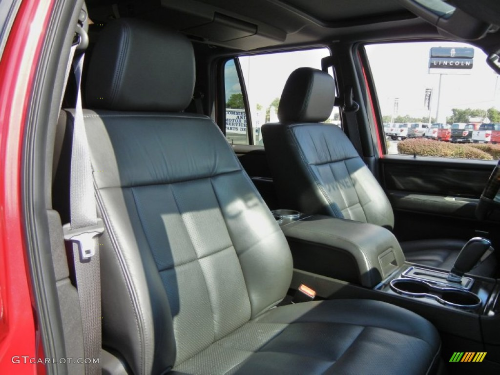 2007 Navigator Luxury - Vivid Red Metallic / Charcoal photo #20