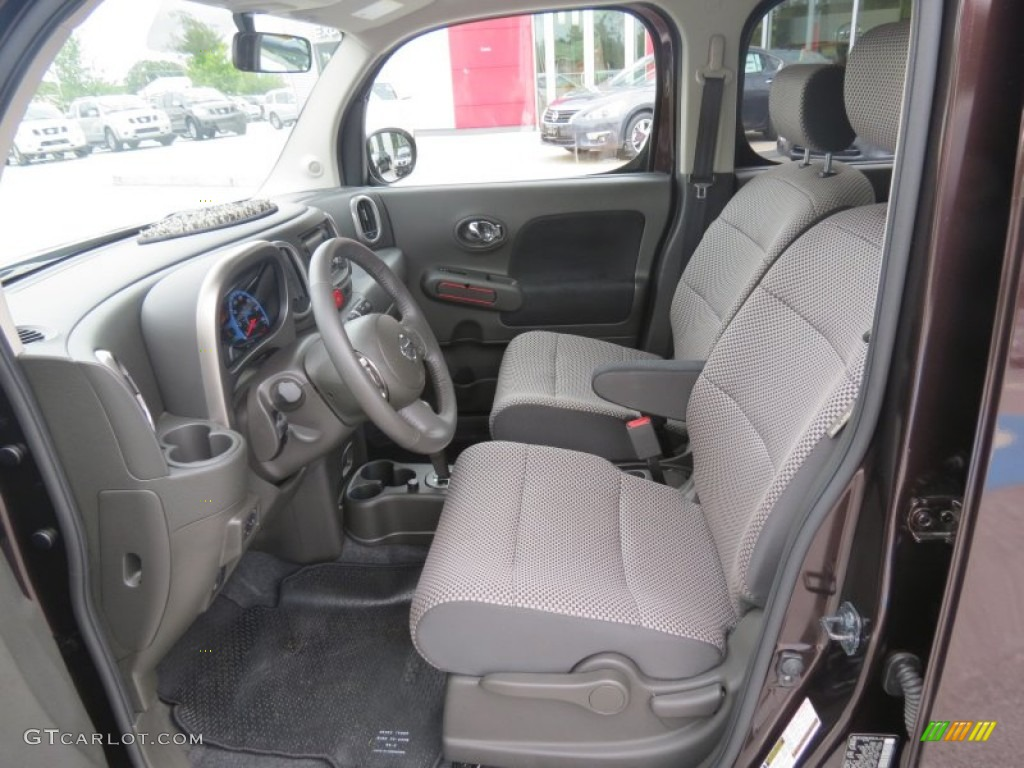 Black/Gray Interior 2010 Nissan Cube Krom Edition Photo #70444783
