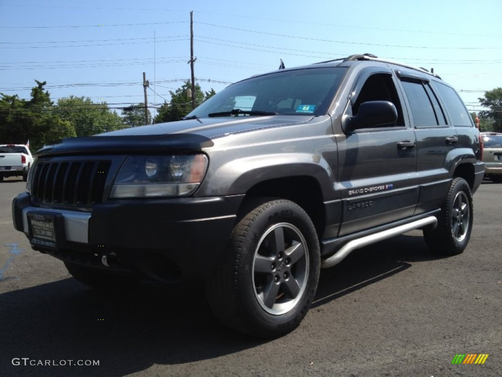 2004 graphite metallic jeep grand cherokee freedom edition 4x4 70474931 car. Black Bedroom Furniture Sets. Home Design Ideas