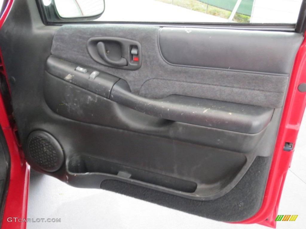 1998 chevrolet s10 ls extended cab door panel photos for Chevy s10 interior door panels