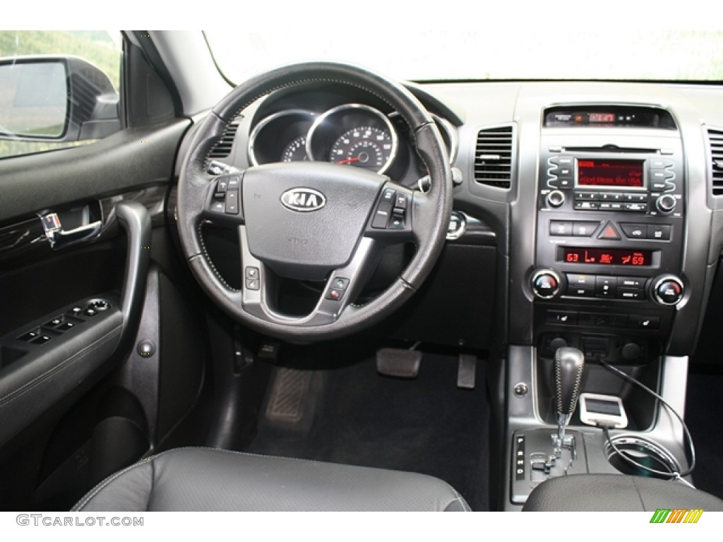 2011 Sorento EX V6 AWD - Bright Silver / Black photo #10